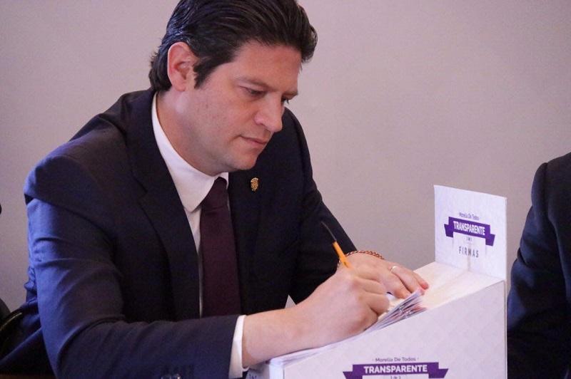 El contralor municipal subrayó el esfuerzo de la actual administración con la transparencia, así como de la responsabilidad que han asumido quienes desempeñan una función pública en el Ayuntamiento de Morelia