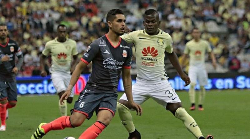 Sufriendo en los últimos minutos del partido, el América se salvó de caer contra La Monarquía cuando Moisés Muñoz realizó una gran atajada con la que evitó que cayera su portería