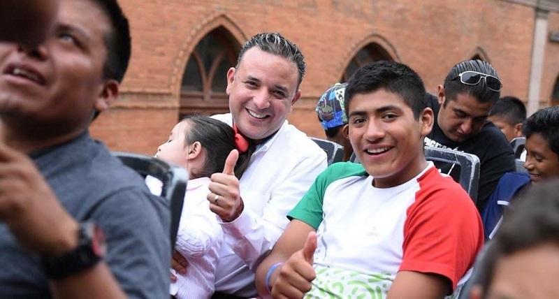 Uno de los grandes retos que tenemos como sociedad, señaló Quintana Martínez, es ofertar un sinfín de oportunidades para la juventud de nuestro estado, incentivándolos a incrementar su participación en la toma de decisiones públicas