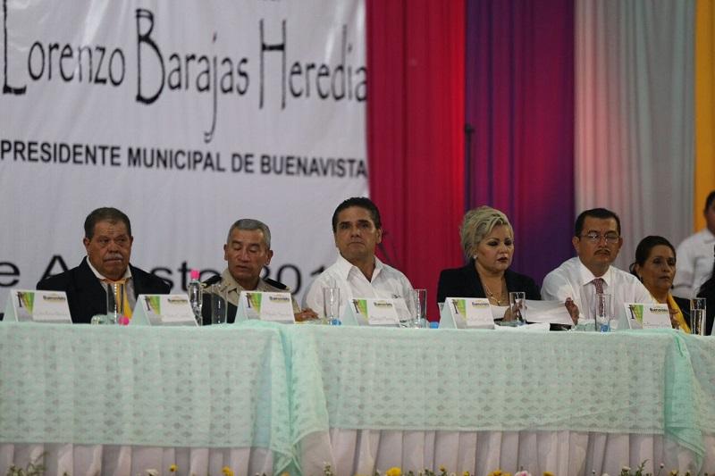 Después de escuchar la rendición de cuentas del alcalde, el gobernador reiteró que es fundamental la participación de la sociedad para que la amenaza de la delincuencia no vuelva a vulnerar a este municipio