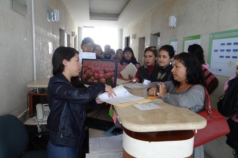 El director general del Colegio de Morelia, Alejandro Amante, señaló que el objetivo es brindar apoyo a los jóvenes morelianos, que no cuenten con los recursos suficientes para solventar el pago de su educación