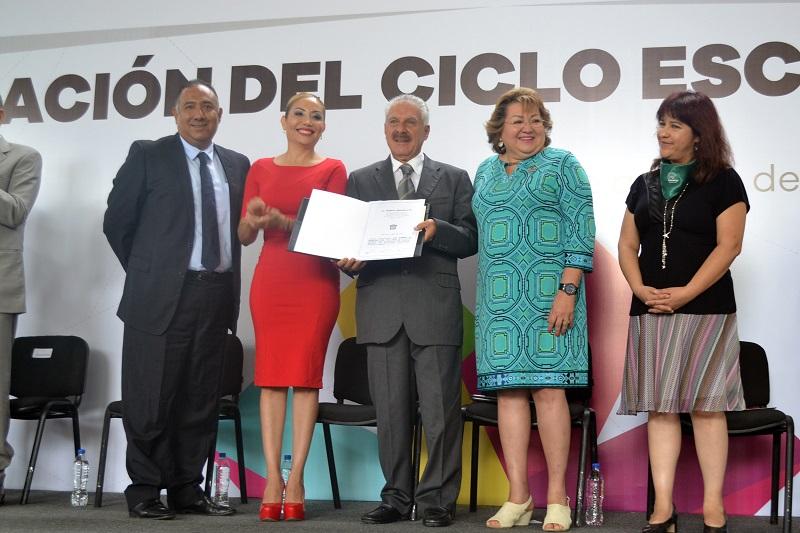 Candita Gil Jiménez reconoce al Gobierno del Estado, que encabeza Silvano Aureoles, por su compromiso con la educación de calidad