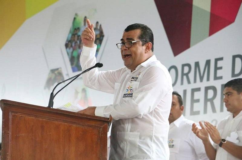 Desarrollo social en Huetamo, palabra cumplida: Elías Ibarra