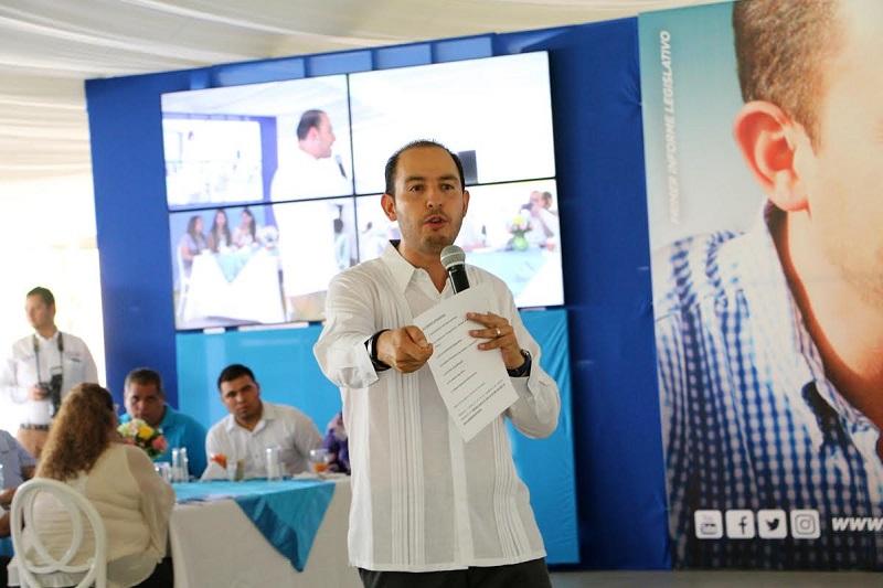 Cortés Mendoza señaló que la ZEE de Lázaro Cárdenas debe ser aprovechada al máximo, generando un parteaguas en la historia de Michoacán y posicionando a nivel mundial este puerto