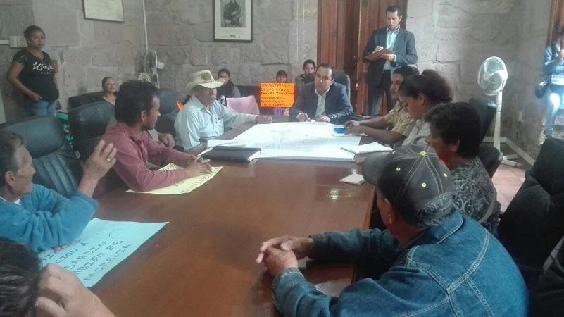 Jesús Ávalos, pidió a los vecinos trabajar de la mano y directamente con el Ayuntamiento