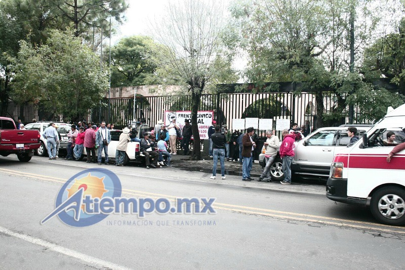 Al lugar arribaron policías antimotines del GOES de la SSP de Michoacán, quienes no debieron intervenir (FOTOS: FRANCISCO ALBERTO SOTOMAYOR)
