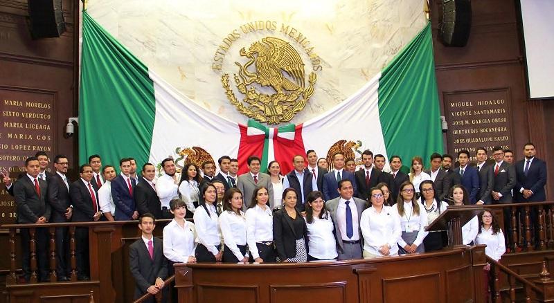 Importante abrir espacios de participación a jóvenes, señaló el presidente de la Mesa Directiva del Congreso del Estado: Raymundo Arreola