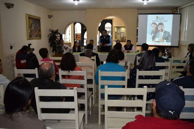 Michoacán cuenta con una vocación turística que representa una de las fortalezas económicas, por eso en ICATMI a través de nuestro ICATUR estamos promoviendo capacitación orientada a mejorar los servicios turísticos: Barragán Vélez