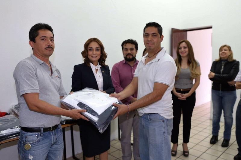 Ésta fue la segunda entrega de uniformes que la coordinadora López Bautista realiza al personal, tanto sindicalizado como de contrato de la CGCS