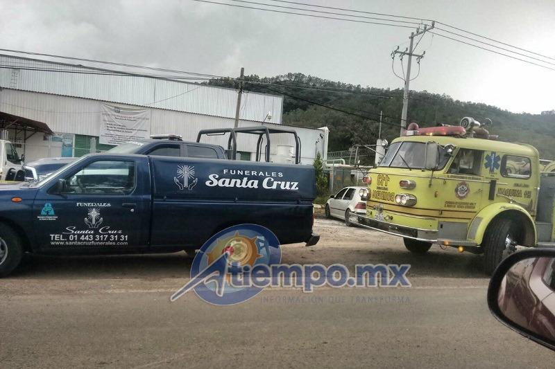 Al lugar arribaron unidades de la Coordinación de Protección Civil y Bomberos de Morelia, de la Dirección de Protección Civil Estatal, de la Cruz Roja y de la Policía Michoacán (FOTOS: MARIO SÁMANO)