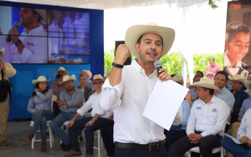 Cortés Mendoza destacó la importancia de invertir el dinero público en proyectos que produzcan riqueza y generen trabajo