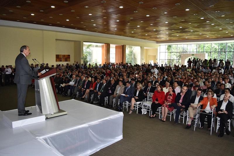 Los diputados informaron que en cuanto al presupuesto para programas y proyectos de inversión se logró asignar para Michoacán; la suma total de 7,537.5 millones de pesos