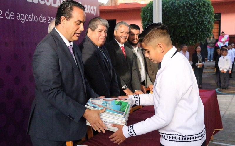 En próximos días el Ayuntamiento de Morelia estará anunciando otro programa de becas educativas aunadas a las ya dadas a conocer por parte del Colegio de Morelia