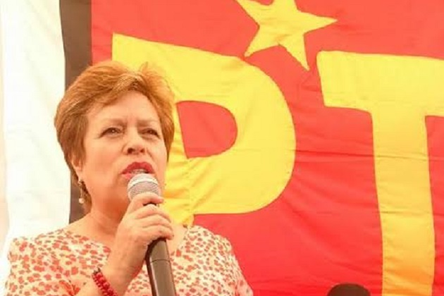 La coordinadora estatal de los Proyectos Educativos del PT, María Auxilio Flores, manifestó que uno de los ejes fundamentales para el crecimiento y desarrollo de los niños y jóvenes se distingue por promover que los padres de familia estén cercanos a la institución