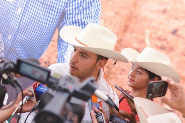 """""""En las últimas semanas hemos sido testigos del aumento en la incidencia de los asaltos en carreteras, camiones urbanos, domicilios particulares y en plena calle, provocando indignación entre los ciudadanos"""": Cortés Mendoza"""