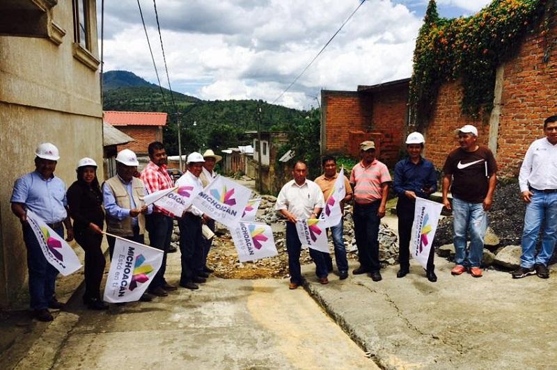 """""""Esto es resultado de una estrecha coordinación entre el Gobierno del Estado de Michoacán y el Gobierno Federal, en beneficio de las comunidades purépechas"""": Ángel Alonso"""