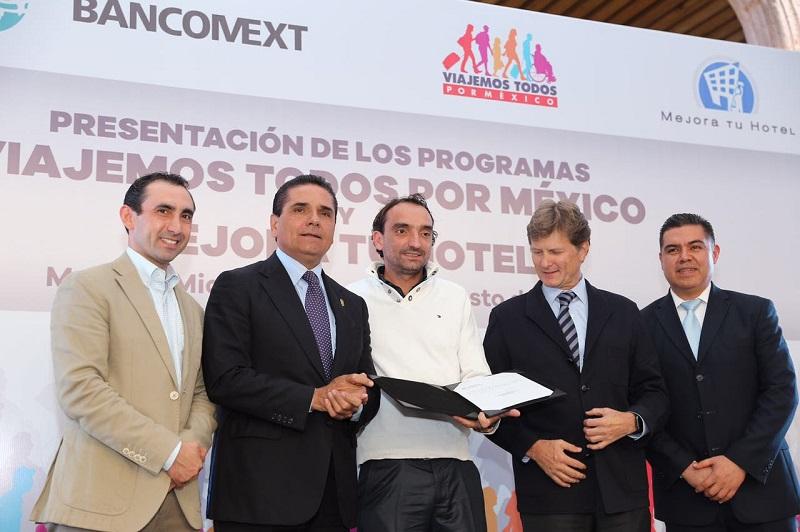 Aureoles Conejo indicó en este trabajo coordinado, mucho dependerá del empeño de las y los empresarios de la actividad turística, a quienes hizo un reconocimiento
