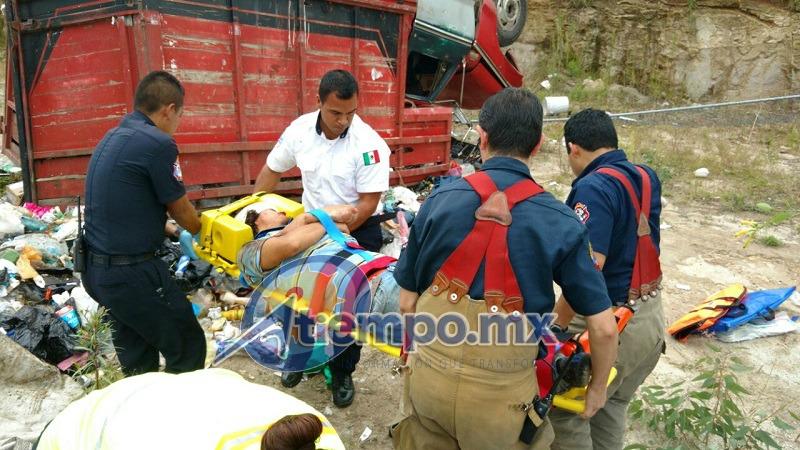 Al lugar acudieron elementos de la Coordinación de Protección Civil y Bomberos Municipales, así como una ambulancia del CRUM (FOTOS: FRANCISCO ALBERTO SOTOMAYOR)