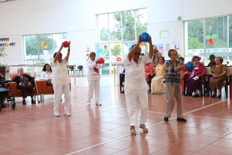 Los usuarios también hicieron actos de poesía, rondalla y se tuvo la presencia de un cuentacuentos, así como de la organización Mujeres de Michoacán