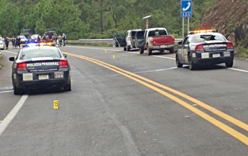 Agentes federales que tripulaban tres patrullas se encontraron de frente con un convoy de cinco camionetas en las que viajaba un grupo de sujetos armados, quienes abrieron fuego contra los policías (FOTO: DIARIO.MX)