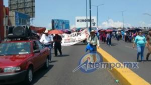 La movilización empezó con más de 3 horas de retraso y terminó hasta muy entrada la tarde con un mitin frente a Palacio de Gobierno (FOTOS: FRANCISCO ALBERTO SOTOMAYOR)