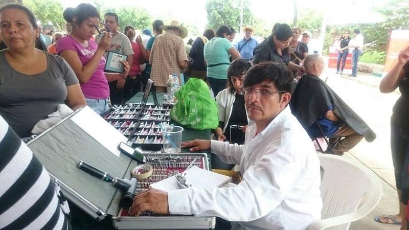 La Coordinación de Atención Ciudadana realiza exámenes de la vista a las personas que así lo solicitan y, en caso de ser necesario, les entrega lentes graduados totalmente gratis