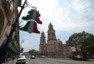 El Gerente del Patrimonio Cultural del Ayuntamiento Capitalino, informó que se colocaron 334 banderas y 334 pendones en la Avenida Madero