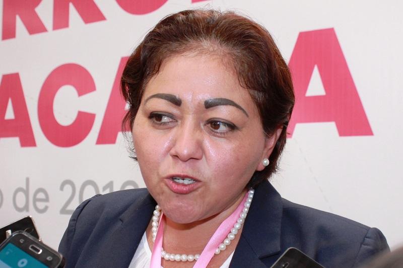 La titular de la Secoem, Silvia Estrada, informó sobre los objetivos del establecimiento de las Normas de Control interno en las dependencias