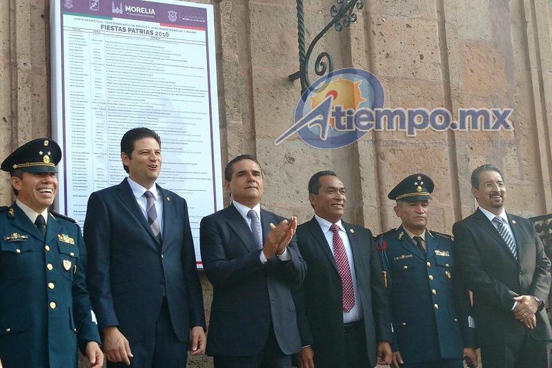 El recorrido fue encabezado por el alcalde de Morelia, Alfonso Martínez, así como por el gobernador de Michoacán, Silvano Aureoles (FOTOS: FRANCISCO ALBERTO SOTOMAYOR)