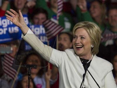 635933172260783601-Hillary-Clinton-Miami-Rally-Super-Tuesday-27 400