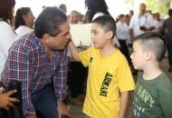 Cenobio Moreno, poco a poco una comunidad modelo de Apatzingán: Silvano Aureoles