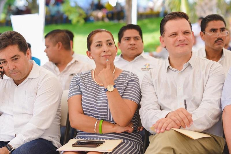 """Héctor Gómez enfatizó que además, como un candado a """"políticos chapulines"""" se amplió el plazo de tiempo en el que deberán renunciar a su militancia política a 18 meses antes de la elección"""