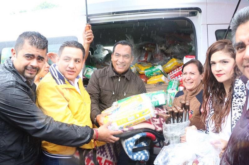 Las autoridades estatales hicieron la entrega de apoyos, mismos que se otorgan de manera coordinada