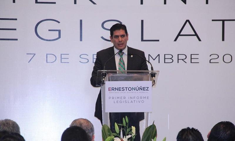 El senador Carlos Puente felicitó al diputado y afirmó que su trayectoria política, el trabajo y desempeño que ha realizado, permiten reconocer a un representante social que podría figurar en las próximas elecciones