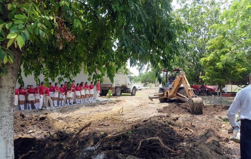 Próximamente serán construidas dos aulas en el segundo piso del plantel para que los estudiantes del Cobaem tengan mejores espacios y reciban una educación de calidad