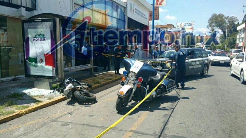 En su huida, el delincuente se impactó contra un parabús de la Avenida Lázaro Cárdenas y trató de huir corriendo, pero fue capturado en la calle Caballero Alto (FOTOS: FRANCISCO ALBERTO SOTOMAYOR)