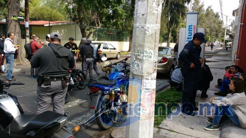 La víctima fue llevada aún con vida a un hospital en un vehículo particular (FOTOS: FRANCISCO ALBERTO SOTOMAYOR)