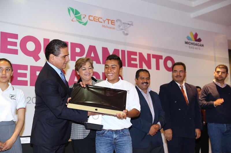 El Gobierno del Estado invirtió más de 21 millones de pesos para la compra de equipo que fortalecerá 70 laboratorios del CECYTEM