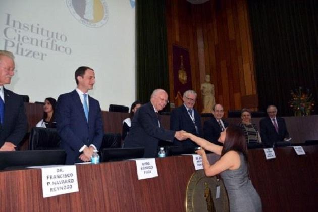 Alejandra Esquivel Pineda, galardonada por la AMFEM a nivel nacional