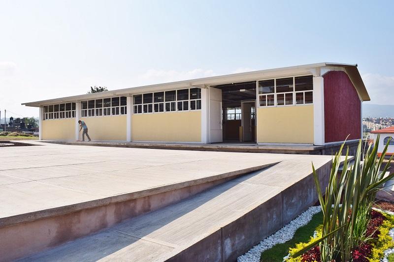 Los trabajos de construcción de estos espacios tuvieron una duración aproximada de cuatro meses, y destacó que el taller de usos múltiples se encuentra adecuado para que se impartan cursos, desde carpintería hasta mecánica