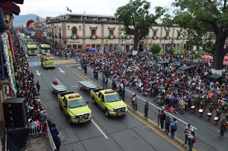 Martínez Alcázar invitó a los morelianos a ser parte de las diversas actividades que se realizarán a partir del 15 de septiembre, disfrutando en familia del Centro Histórico y de las plazas públicas que se vistieron para la ocasión