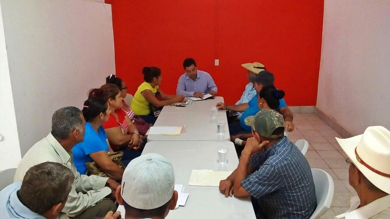 """El diputado del PRI se reunió con ejidatarios de """"El Guayabo"""", """"El Mirador"""", """"San Fernando"""", """"Cerro Blanco"""", entre otras comunidades"""