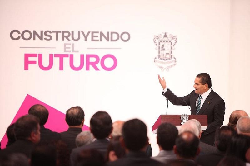 Presentó el gobernador su mensaje alusivo al Primer Informe de Gobierno; el titular del Ejecutivo estatal dejó en claro que este primer año g Gobierno marca el punto del no regreso