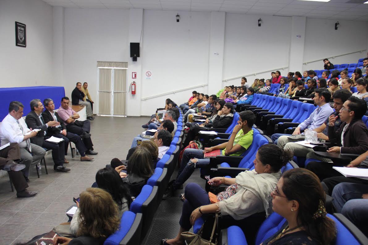 Se reúne el rector de la Casa de Hidalgo con moradores de albergues estudiantiles que desistieron de la toma de instalaciones