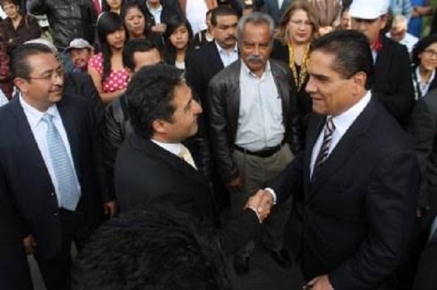 El gobernador no solamente se ha ocupado en resolver la problemática referida, sino que ha puesto especial interés en los sectores vulnerables del estado: Báez Ceja