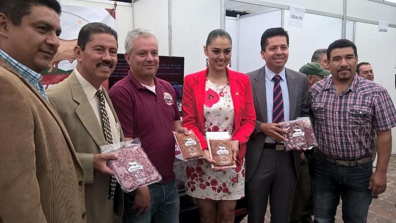 Tentory García comentó que existen 275 Unidades de Producción Pecuaria (UPP), de las cuales 110 cuentan con certificados de buenas prácticas, establecidas en 35 municipios de la entidad