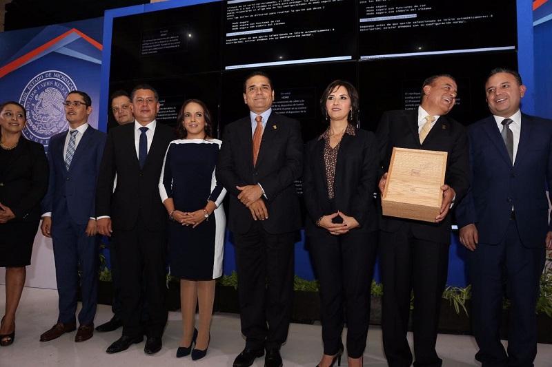 A este evento también asistió el secretario de Gobierno, Adrián López Solís; además del Presidente de la Mesa Directiva de la LXXIII Legislatura, Pascual Sigala Páez