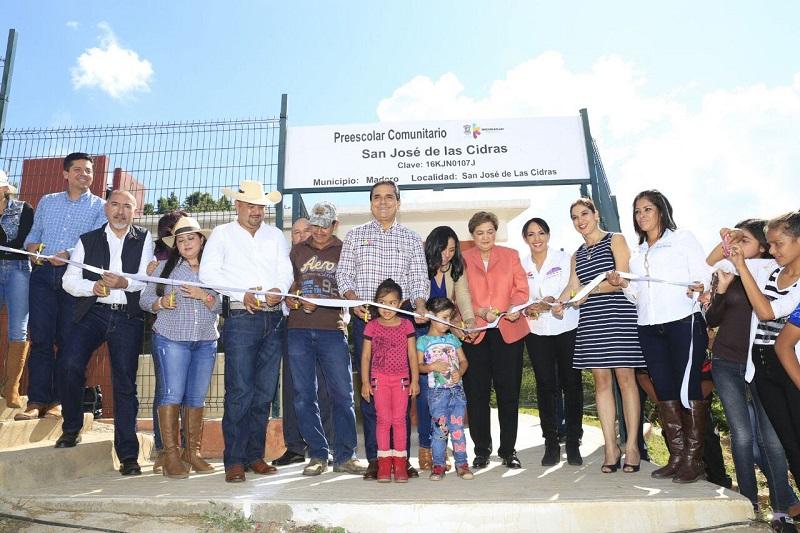 El mandatario estatal se comprometió a realizar diversas obras y acciones que generen bienestar a las y los habitantes de la comunidad de San José de la Cidra