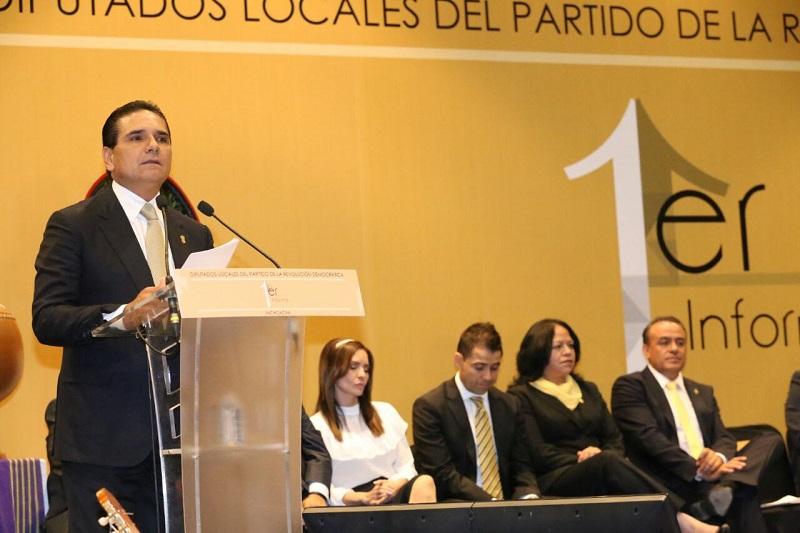 El mandatario estatal señaló que construir las bases de desarrollo y bienestar, es un trabajo coordinado entre los Poderes del Estado y de la sociedad en su conjunto