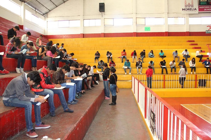 Se presentan 153 jóvenes para realizar la prueba aplicada de forma simultánea en Morelia y Uruapan: José Apolinar Cortés